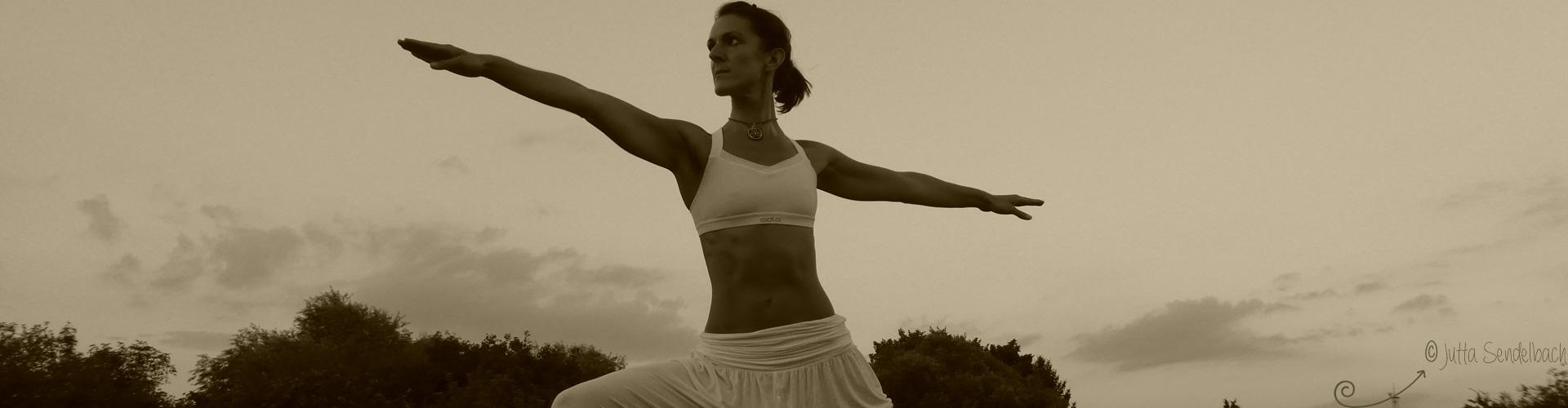 Gesundheitstrainging Yoga + Pilates mit Stina Hauser in Karlsruhe