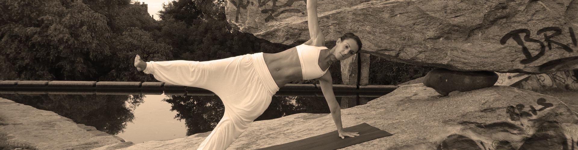 Gesundheitstraining Yoga + Pilates mit Stina Hauser in Karlsruhe