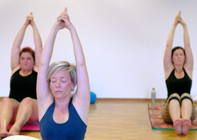 Hatha Yoga bei Stina Hauser Gesundheitstraining in Karlsruhe