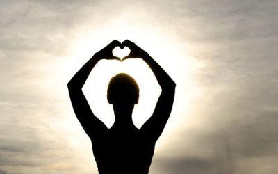 """Sonntag 16.12.2018: Yoga und Mantra singen im """"Advents""""-Yoga: Eintauchen in die innere Stille"""